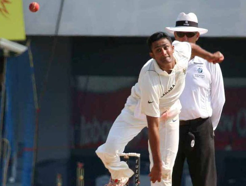 Jasprit Bumrah imitates Anil Kumble's bowling action, former captain says 'well done'