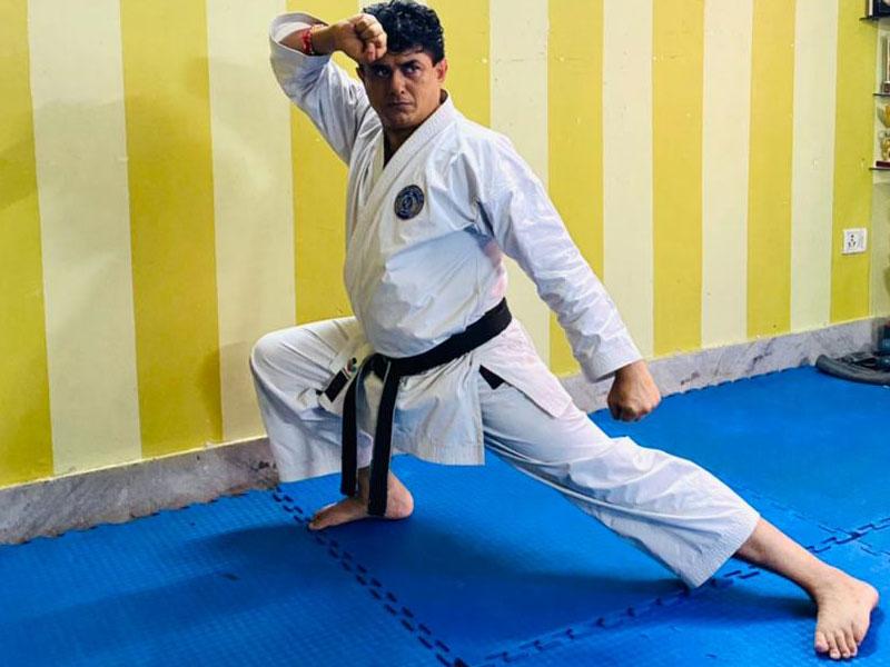 Hanshi Premjit Sen of Kolkata wins gold in National Master's E-Kata Championship