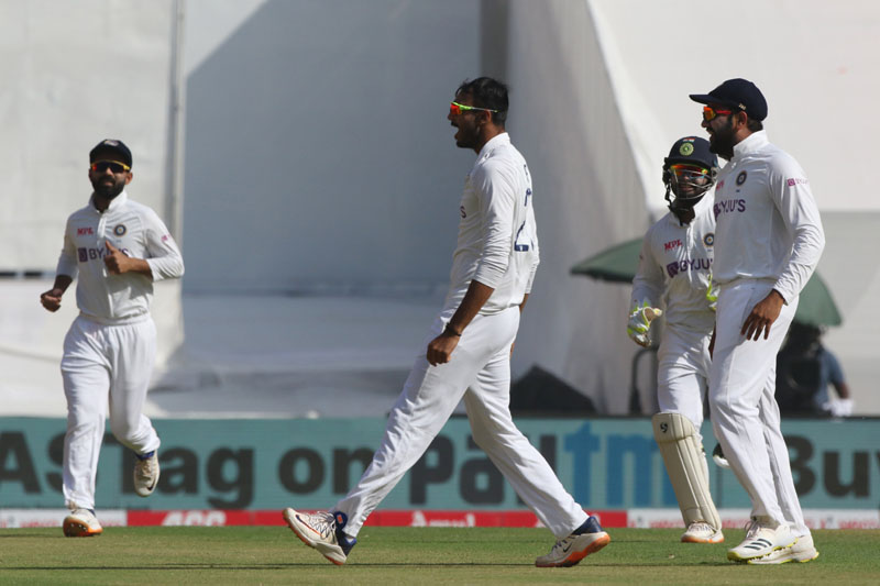 Fourth Test: England in trouble in first session of day 1 against India