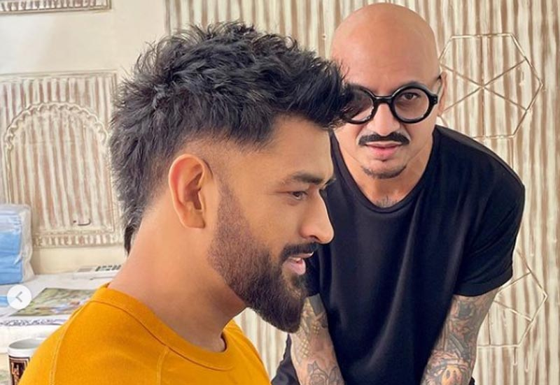 MS Dhoni sports new hairstyle, fans go crazy on social media