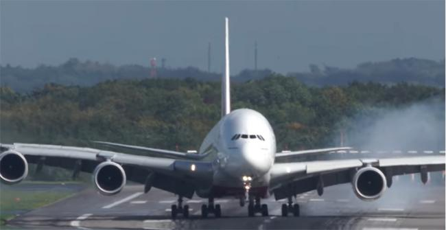 Emirates A380 makes an incredible vertical landing in high winds, video goes viral