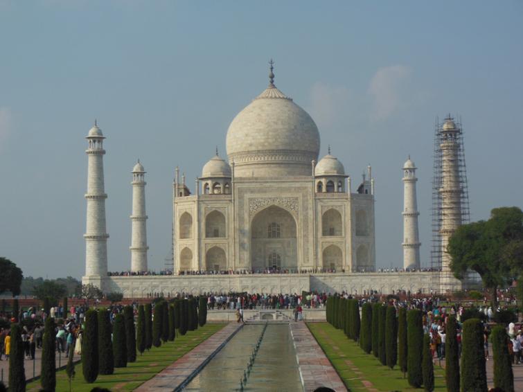 Covid-19 Lockdown hits Tourism sector; Taj Mahal worst affected