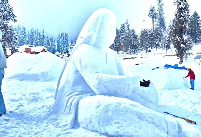 Jammu and Kashmir: Tourism Deptt's 4-day snow sculpting competition begins at Gulmarg