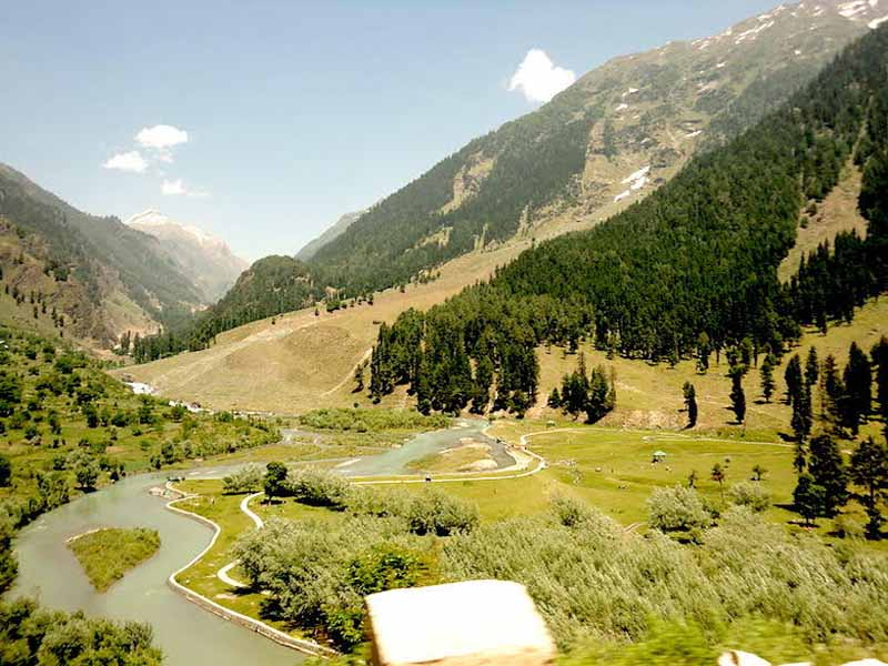 (A view of Betaab Valley / Wikipedia Creative Commons)
