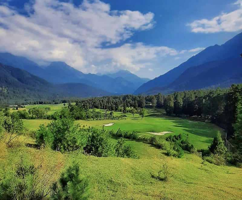 (Pahalgam Golf Course. Image: Wikipedia Creative Commons)