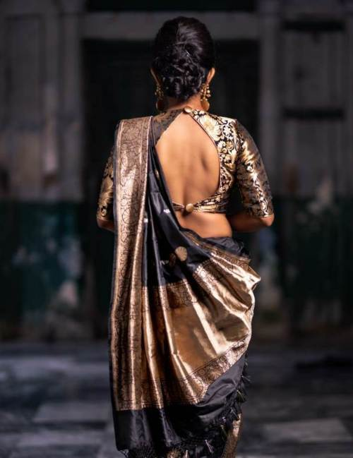 Fashion Designer Mitan Ghosh Infuses Traditional Indian Saris With Contemporary Chic Indiablooms First Portal On Digital News Management