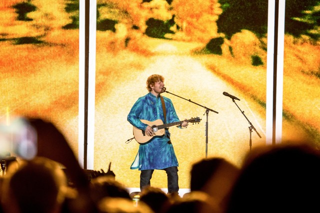 Ed Sheeran wants to do 'something in Bollywood' with Shah Rukh Khan