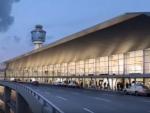 New York: Abandoned car triggers panic, airport shut down