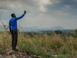 Refugees see mobile connectivity as critical lifeline – new UN report