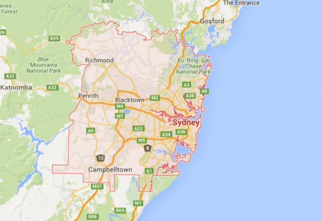Sydney: One dead in shootout outside shopping mall