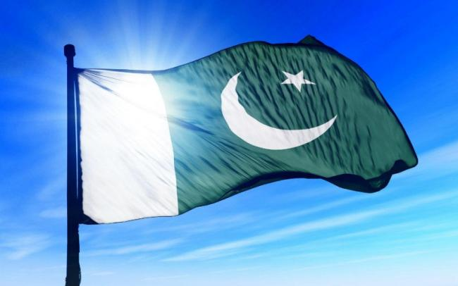 One killed, 14 injured in suicide attack on security convoy in Pakistan