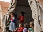 Thousands risk lives fleeing fighting in Syria's last ISIL stronghold