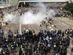 Hong Kong demonstration: Police fire tear gas shells at Yuen Long rally