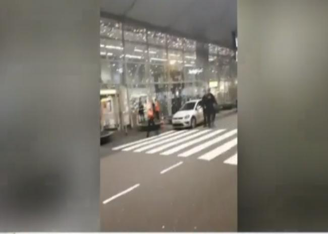 Canadian arrested at Amsterdam airport over bomb threat
