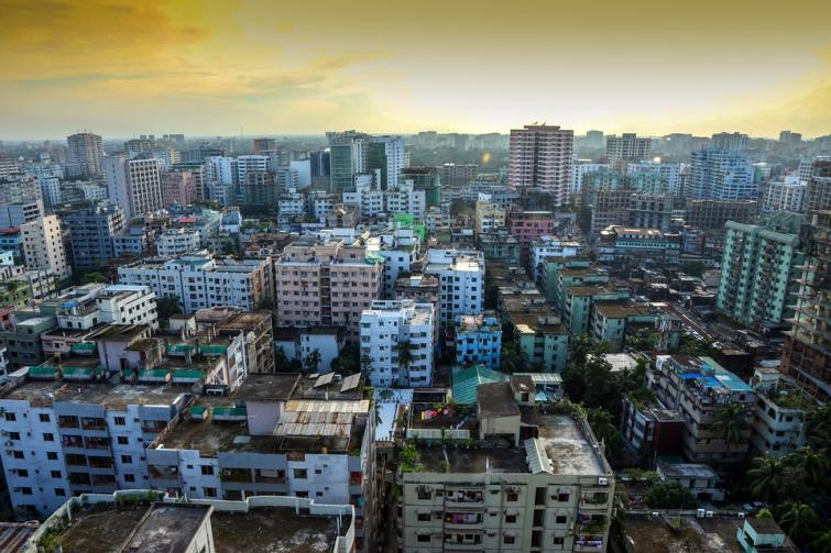Bangladesh: Man dies after building wall collapses in Dhaka