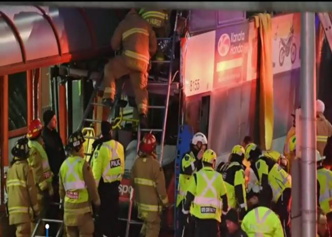 Canada: Ottawa bus crash kills three, injures 23