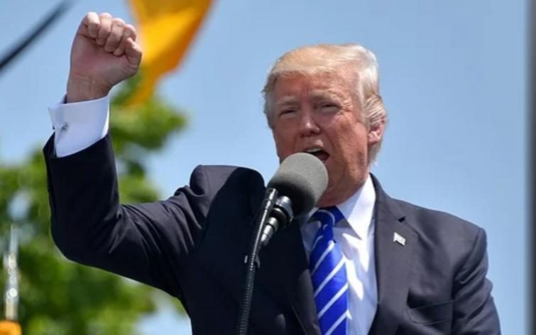 Trump says 'domestic terrorists' have taken over Seattle, lashes out at local leaders