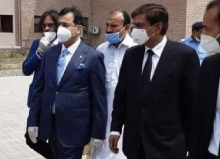 Former Pakistan PM Yousuf Raza tests positive for COVID-19