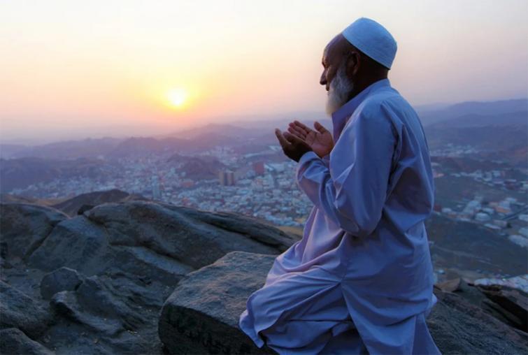 Some Chinese companies prohibit Pakistani employees from offering namaz
