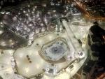 Saudi Arabia resumes prayers at Mecca's Grand Mosque after COVID-19 hiatus
