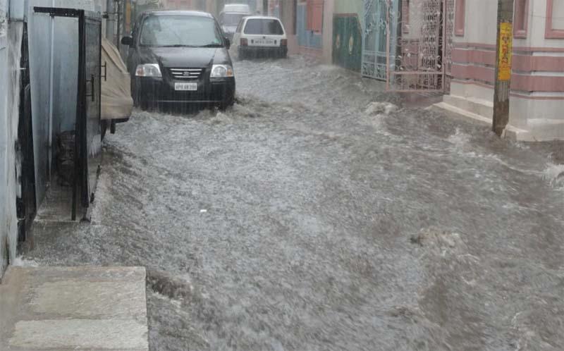 Pakistan - 64 killed in three-day monsoon rain spells