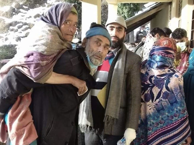 Kashmirs: Alike in polls, different in 'execution'