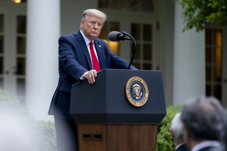 Donald Trump calls coronavirus 'bad gift from China' as US crosses 1 lakh deaths