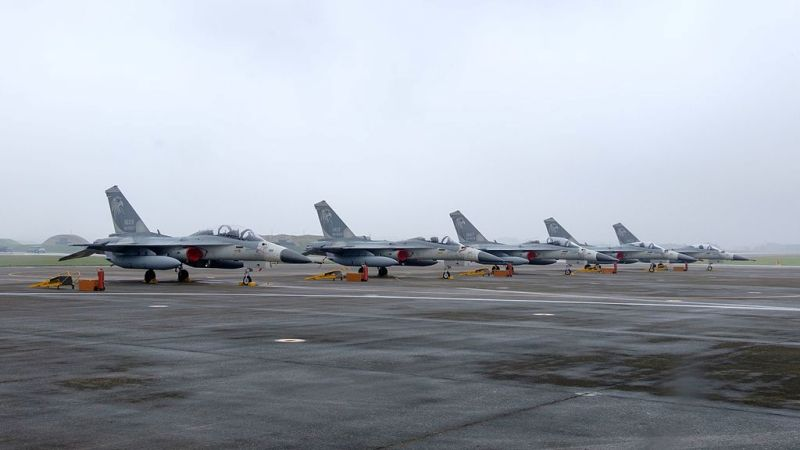 Taiwan scrambles fighters to repulse Chinese jets