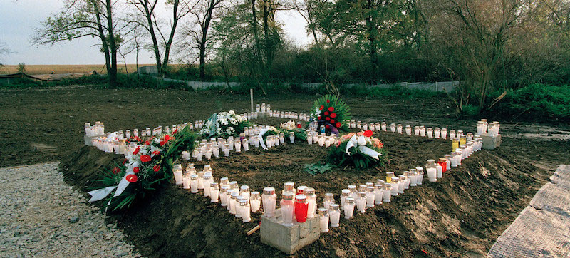 Rights expert urges greater protection for mass graves: proof of 'heinous events'