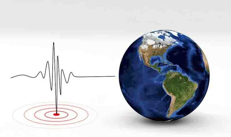 Magnitude 5.6 quake strikes off central Indonesia