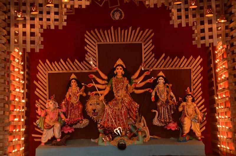 Bangladesh: Unidentified people damage Durga idol in Kushtia