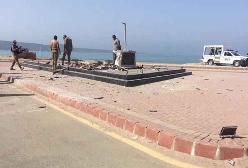 Banned members of BLF destroy Mohammad Ali Jinnah's statue in Pakistan
