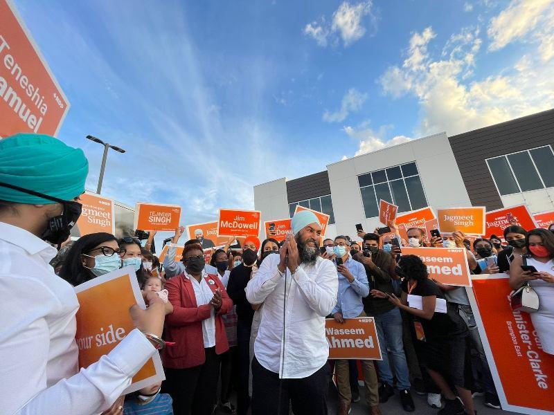 NDP leader Jagmeet Singh interacting with potential voters. Photo: facebook.com/jagmeetndp