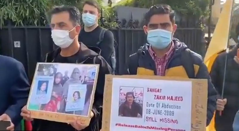 Exiled dissidents demonstrate outside FATF Paris hdqs demanding action against Pakistan